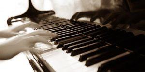 ELEMENTI BASILARI DELL' ARMONIZZAZIONE JAZZ - melodia, la fondamentale (root note), le sigle, le note guida